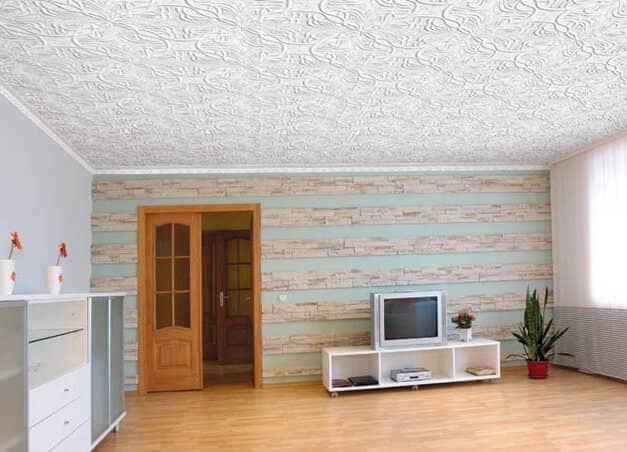 Клеевая плитка на потолке