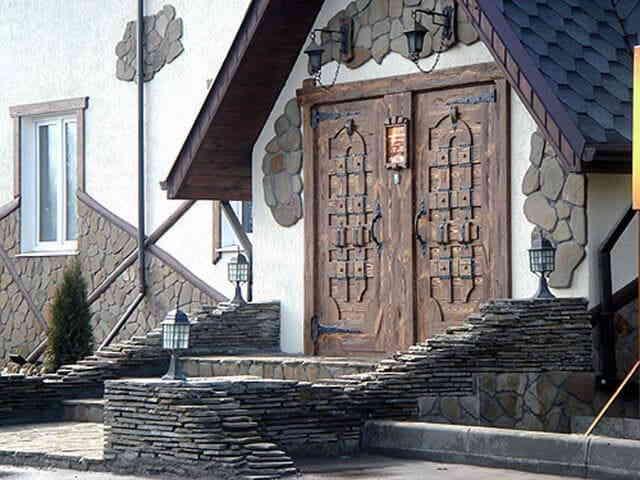 Дом из природных материалов