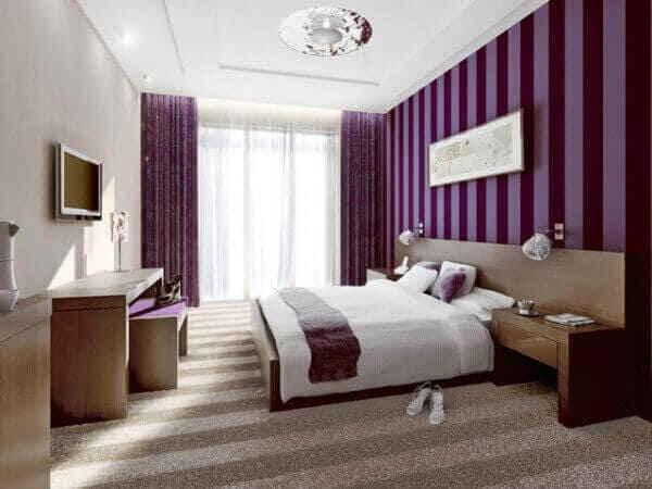 Спальная комната в фиолетовом цвете