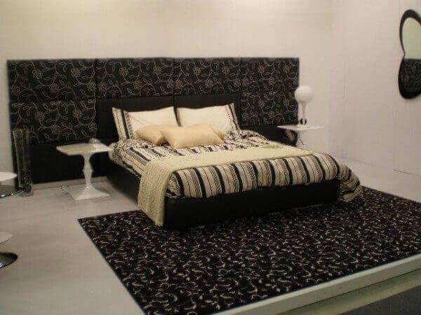 Декор части прикроватной стенки