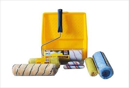 Инструменты для окраски: кисть, валик,мягкая губка, шпателёк