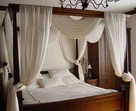 Как обставить спальню небольшой площади