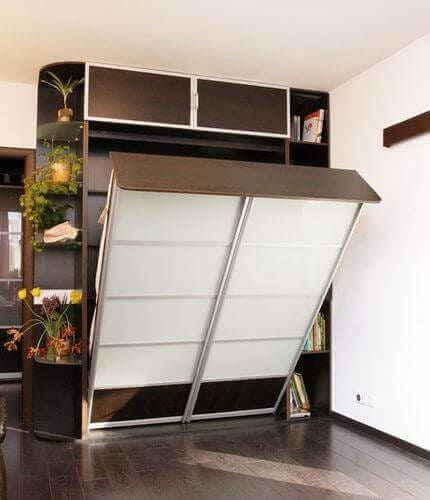 Место для сна, трансформирующееся в шкаф