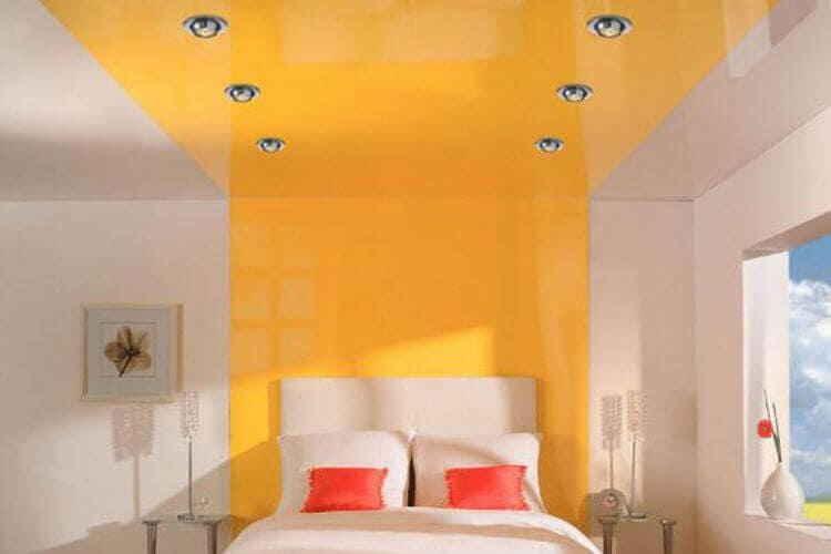 Двухцветное покрытие с источниками освещения