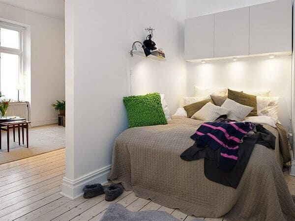 Спальня без окна в белом цвете