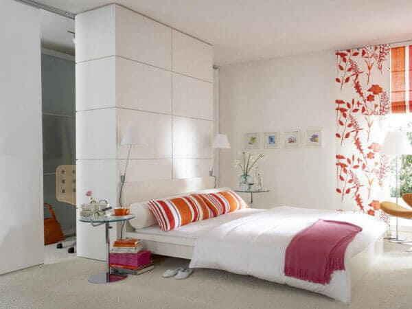 Спальня в белых тонах – стильный интерьер для любителей чистоты и порядка