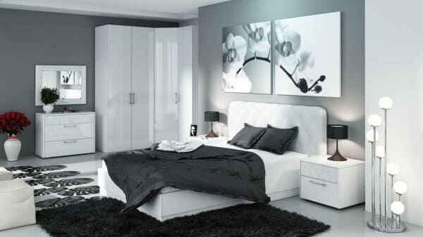 Спальная комната в чёрно-белых оттенках